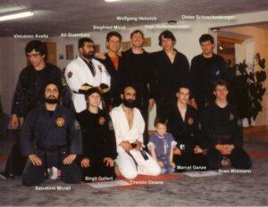 Gruppenbild mit den Meistern des Dan-Kollegiums von 1991